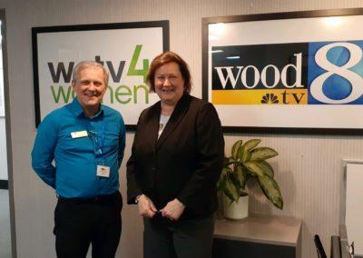 Ken & Wood TV 8